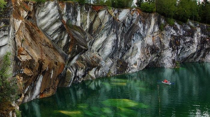 Мраморный карьер в Рускеале фото