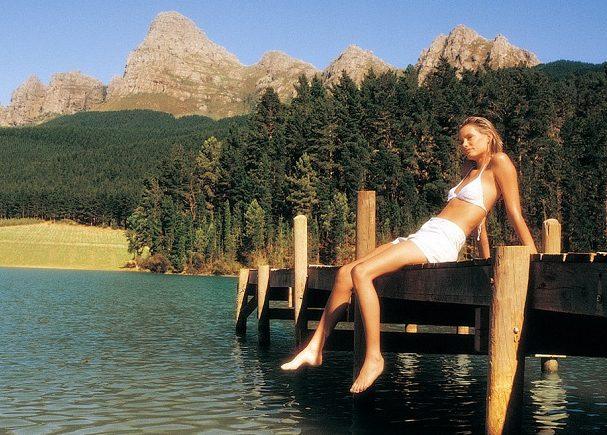 Отдых на озере в лесу фото