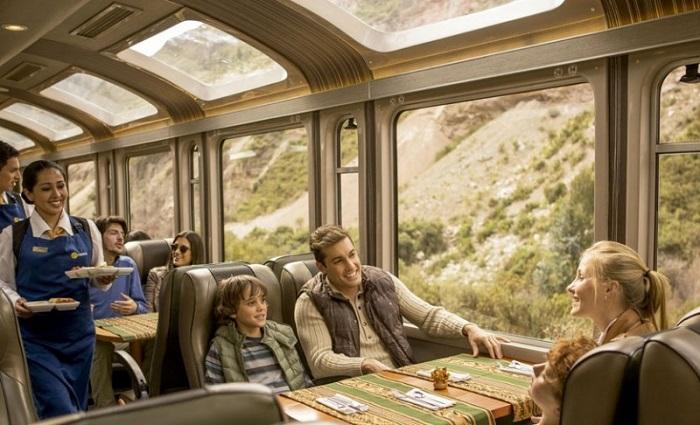 Отношения в поезде фото