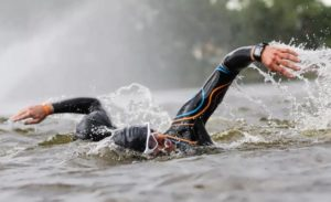 Скоростное плавание на реке
