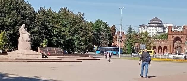 Площадь Василевского